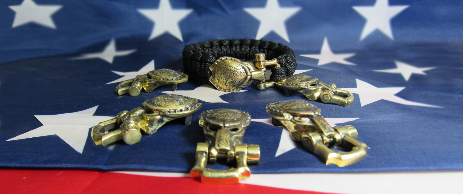 Buckle «Predator mask» on paracord bracelet